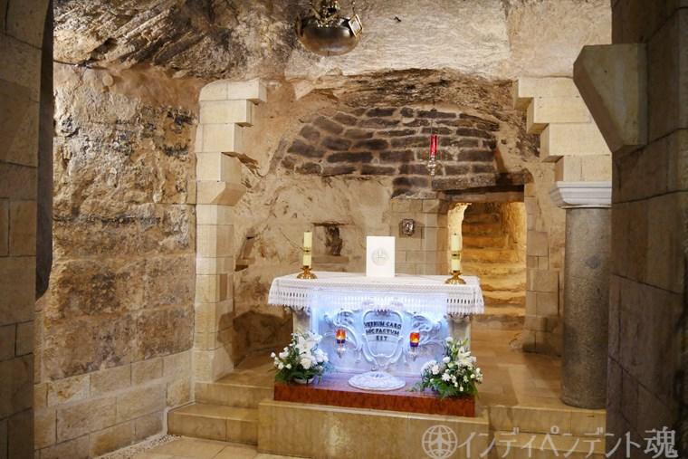 受胎告知教会の洞窟